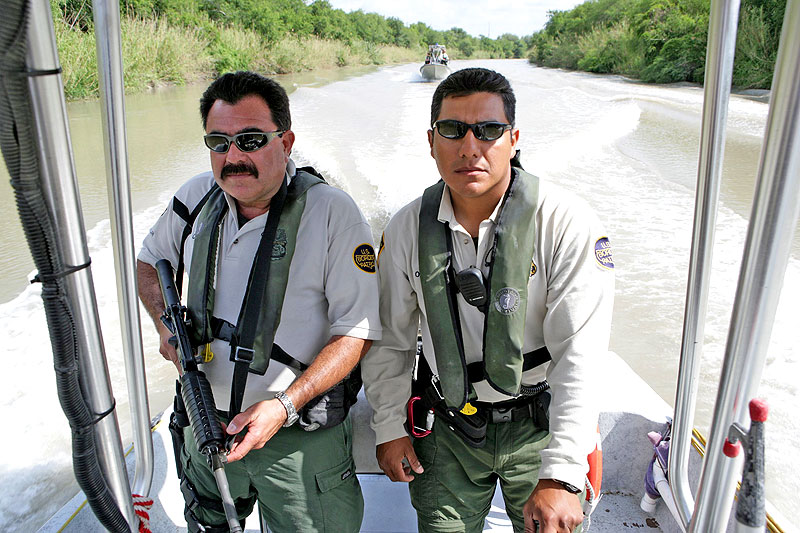 Agentes de la Border Patrol estadounidense (sitio Web de la US Customs and Border Protection - www.cbp.gov)