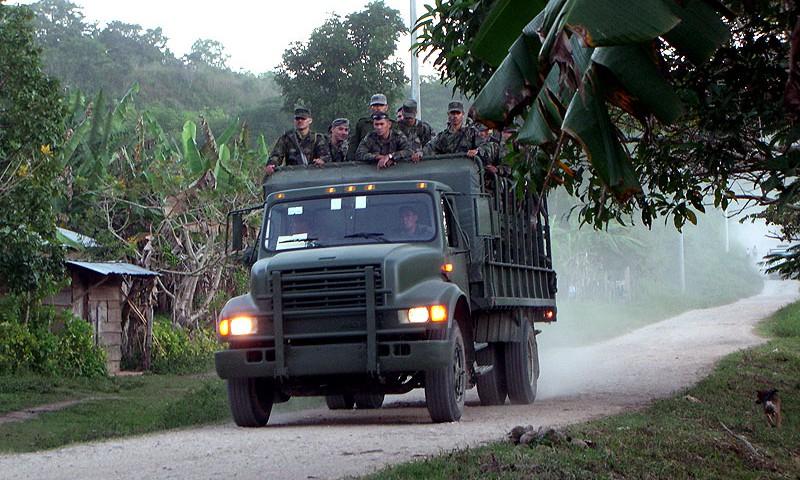 Vehículo militar en la Comunidad de Zapata, Municipio de San Manuel, Chiapas © SIPAZ