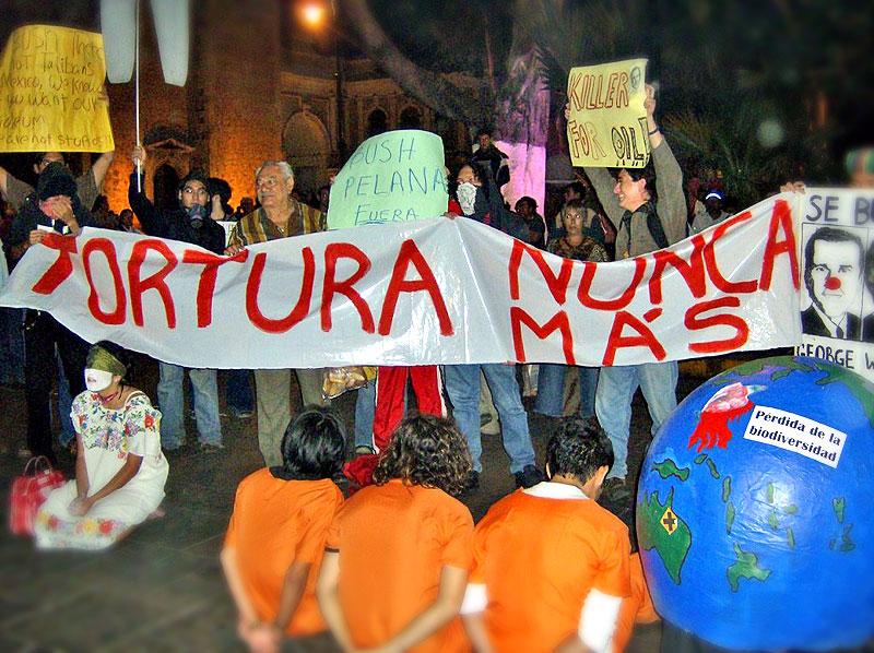 Protests against Bush in Mérida
