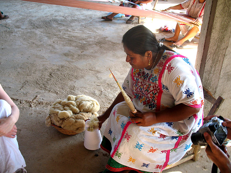 (Costa Chica), mujer del pueblo Amuzgo