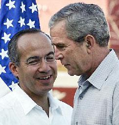 Presidentes Bush (EEUU) y Calderón (México) © AP/Pablo Martínez Monsivais