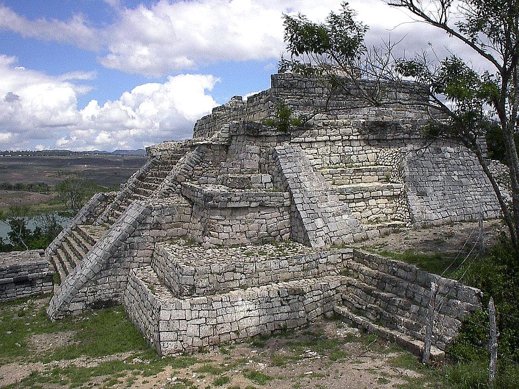 The ruins at Chinkultic © escrutiniopublico.blogspot.com