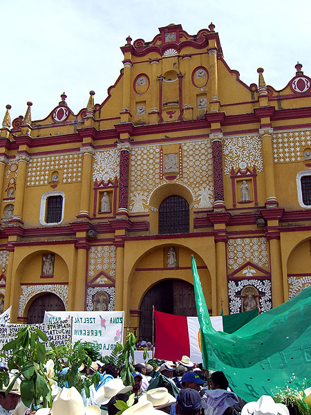 Pilgrimage organized by the Community of Faith in 2008 © SIPAZ