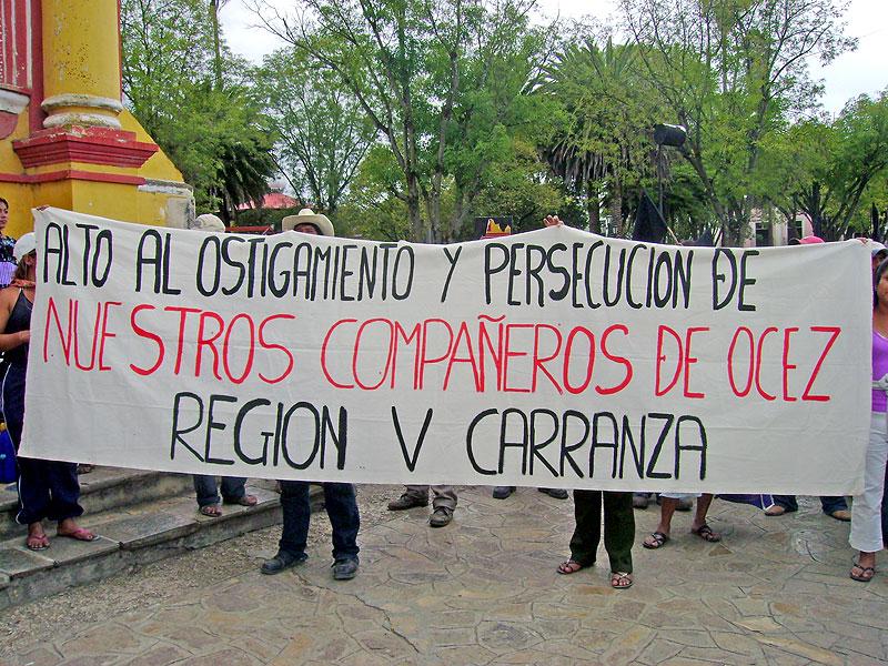 Marcha de la OCEZ-RC en San Cristóbal de las Casas, octubre de 2009 © SIPAZ