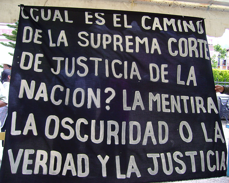 Protest flag against the SCJN decision in the Acteal case © SIPAZ