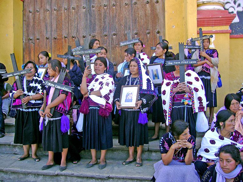 March of Las Abejas in San Cristóbal against the release of prisonners in the Acteal case © SIPAZ