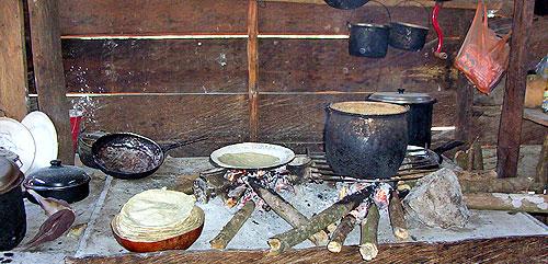 Cocina en una comunidad de la zona Norte © SIPAZ