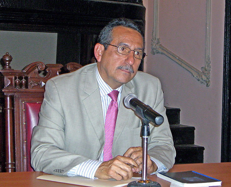 Florentín Meléndez, then president of the Inter-American Commission on Human Rights (IACHR), during his visit to Oaxaca, August 2007 © SIPAZ