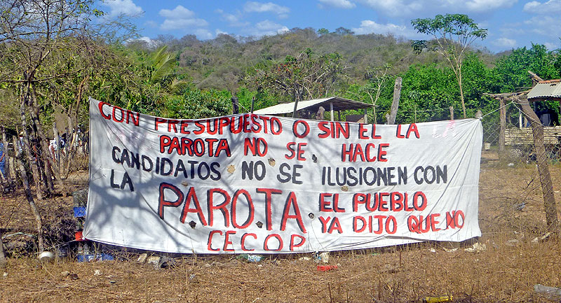 Sit-in by members of CECOP against the construction of the La Parota dam, Guerrero © SIPAZ