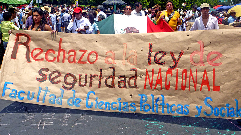 Citizen's Caravan for Peace with Justice and Dignity, August 2011 © SIPAZ