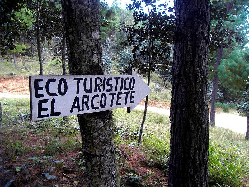 Parque ecoturístico del Arcotete, octubre de 2011 © Gilberto Gutiérrez Álvarez