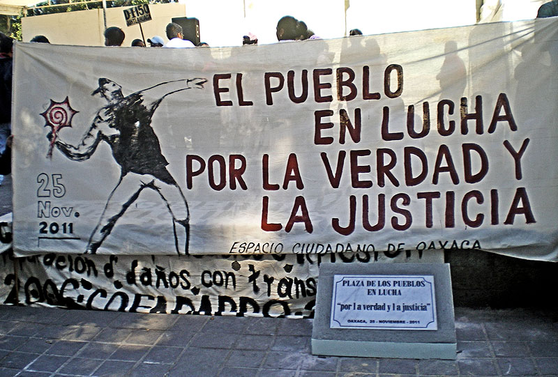 Act to commemorate the repression of November 25, 2006 in Oaxaca © SIPAZ, 2011