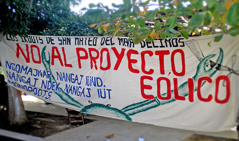 """Manta """"Los Ikoots de San Mateo del Mar decimos no al proyecto eólico"""" © SIPAZ"""