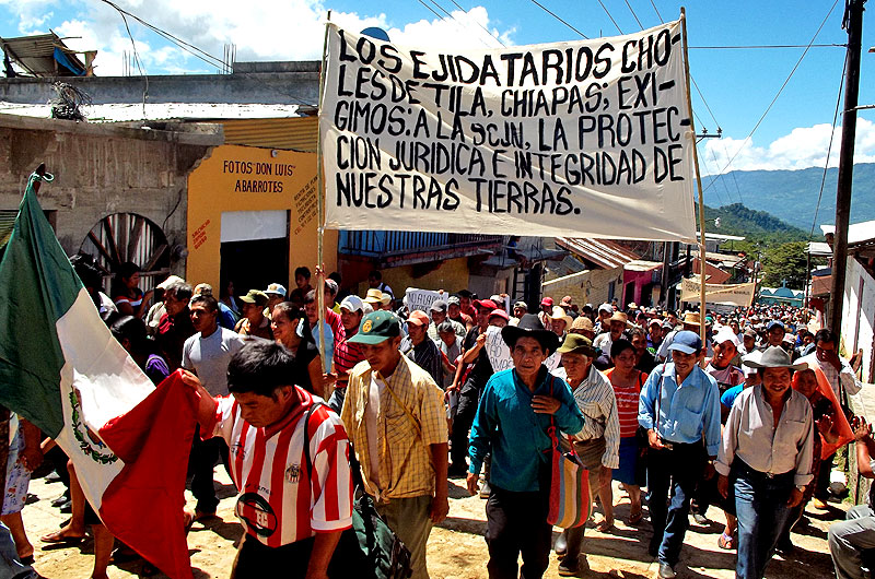 March of the ejidatarios in Tila, August 2012 © SIPAZ