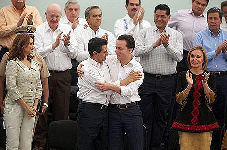 Mexican President Enrique Peña Nieto with Chiapas state governor Manuel Velasco Cuello, during the inauguration of the National Crusade against Hunger in the Las Margaritas municipality, Chiapas, 20 January 2013 © Office of the President
