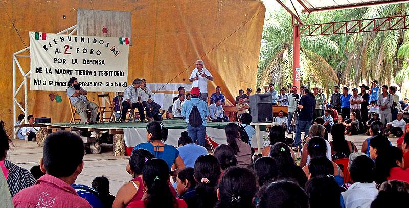 """Foro """"Por la Defensa de Nuestra Madre Tierra y Territorio, Sí a la Vida, No a la Minera Depredadora"""" Chicomuselo, Chiapas, 15 de septiembre de 2012 © SIPAZ"""