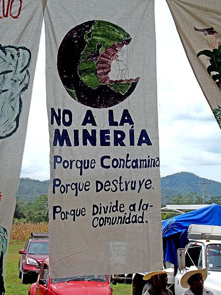 """""""Encuentro de Pueblos de Mesoamérica, Sí a la Vida, No a la Minería"""", Capulálpam de Méndez, Oaxaca, 17 a 20 de enero de 2013 © SIPAZ"""