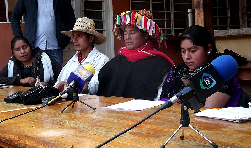 Press conference of the displaced to announce coffee harvest in Puebla Colony, Chenalhó © SIPAZ