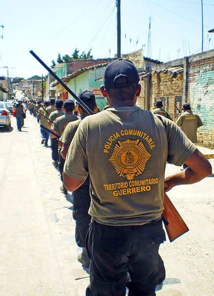 Community Police of the CRAC-PC system in San Luis Acatlán, Guerrero © SIPAZ