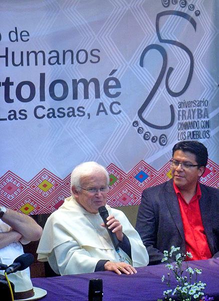 Victor Hugo López (right), director of the Fray Bartolomé de Las Casas Human Rights Center © SIPAZ, archive