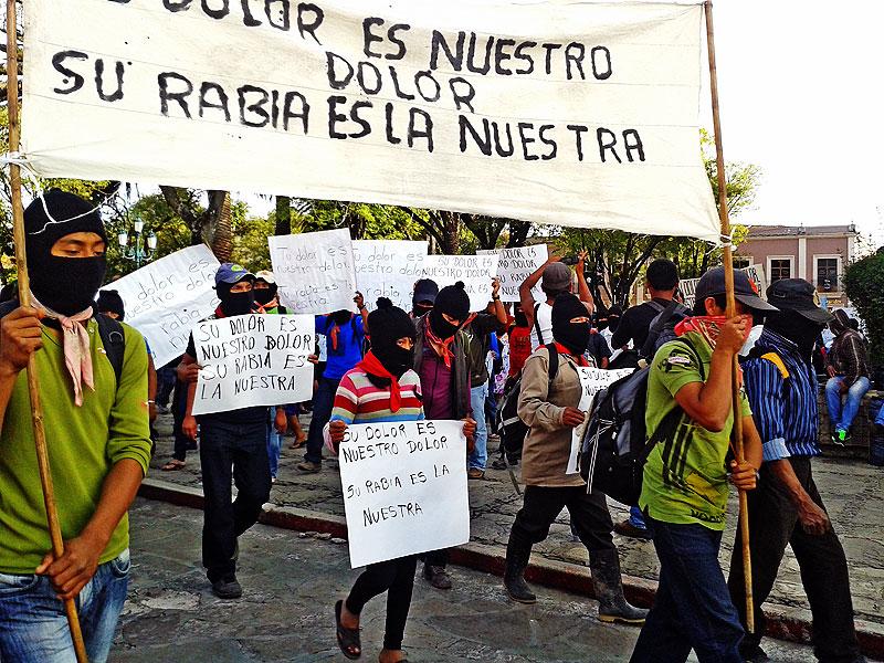 """EZLN march in solidarity with the movement for """"Ayotzinapa"""" San Cristobal de Las Casas, October 22, 2014 © SIPAZ"""