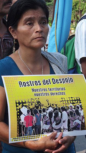 """Lanzamiento de la Campaña """"Rostros del despojo"""", Palenque, noviembre de 2014 © SIPAZ"""