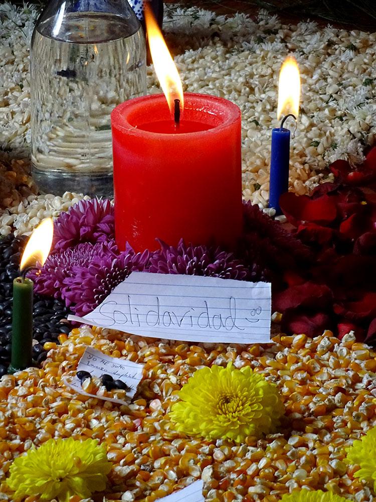 """""""Solidaridad"""", altar durante el evento realizado en Chiapas en el marco del XX° Aniversario de SIPAZ © SIPAZ"""