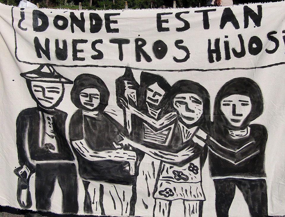 """""""¿Dónde están nuestros hijos"""", manta en el marco de una movilización ante las desapariciones forzadas © SIPAZ - Archivo"""