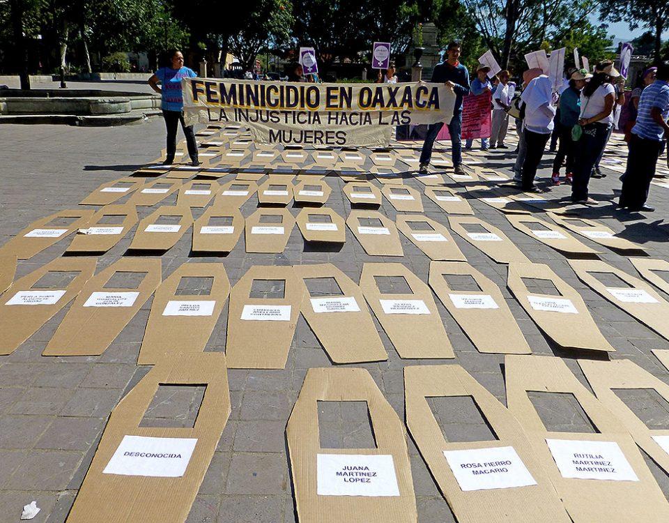 Movilización contra los feminicidios en Oaxaca © SIPAZ - Archivo, 2013
